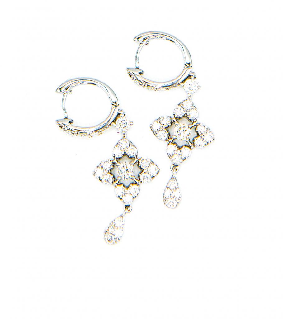 18K白金共重1.70克拉<br>鑽石耳環