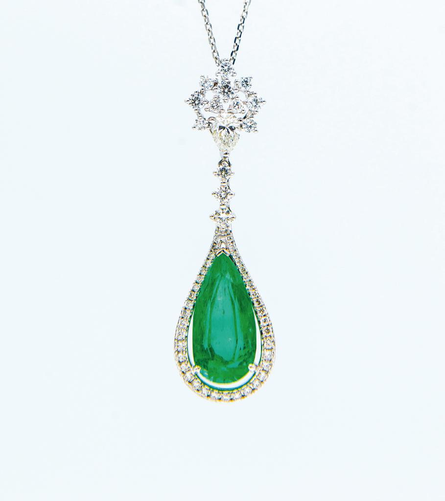 18K白金6.88克拉<br>哥倫比亞祖母綠配鑽石頸鍊