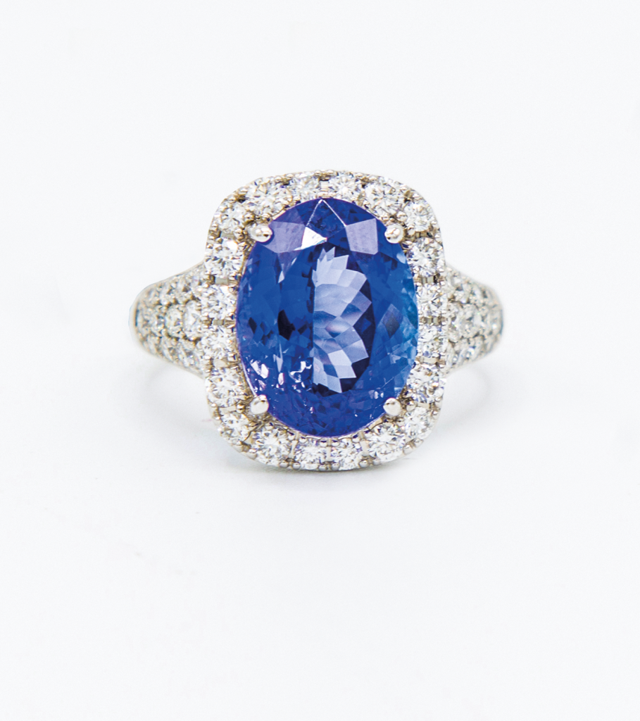 18K白金6.04克拉<br>坦桑石配鑽石戒指
