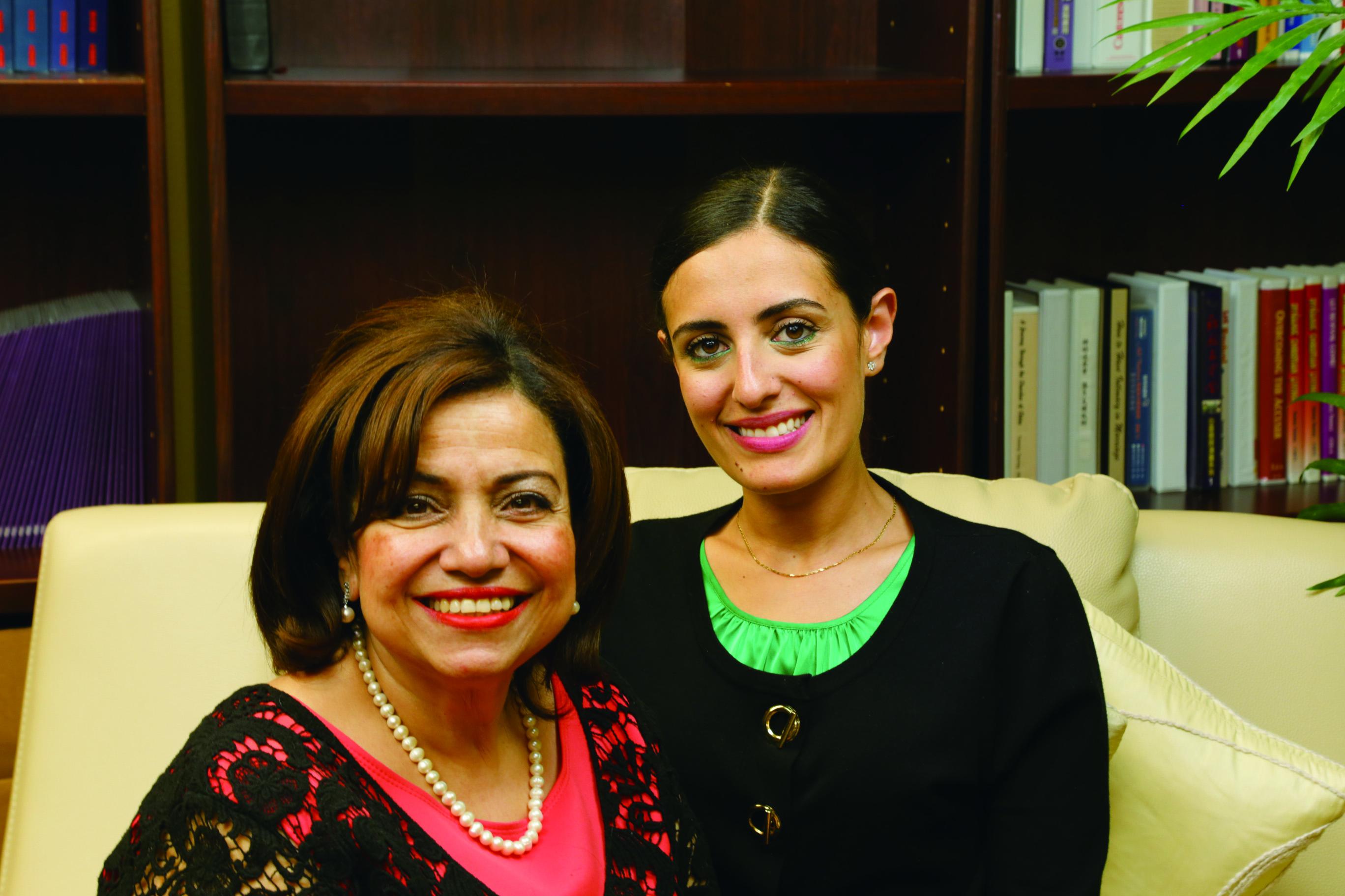 Dr. Yvette (左) 及 Jacqueline (右)