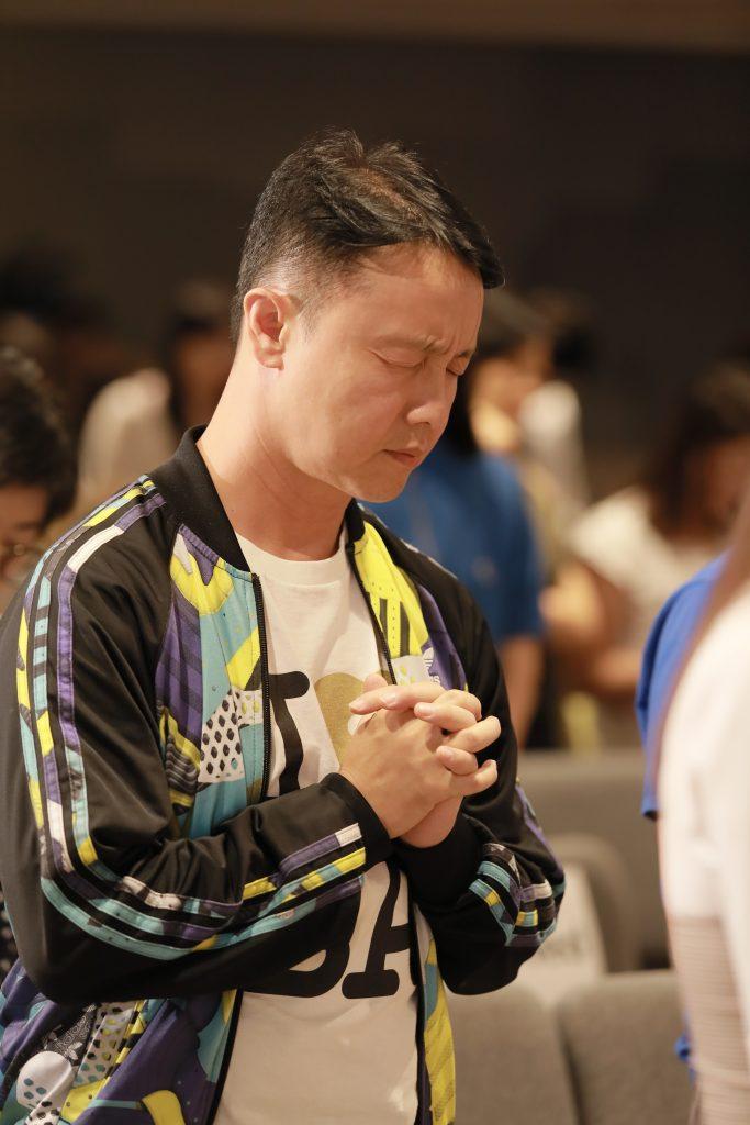 除了物質上支持,也鼓勵大家時刻禱告紀念,讓上帝介入賜下平安