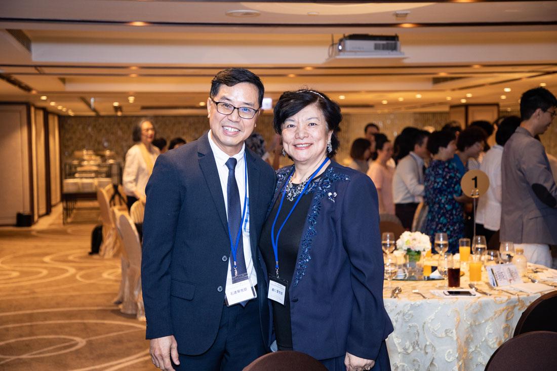 香港祈禱日籌組顧問團主席石建華牧師與楊仁愛牧師合照。