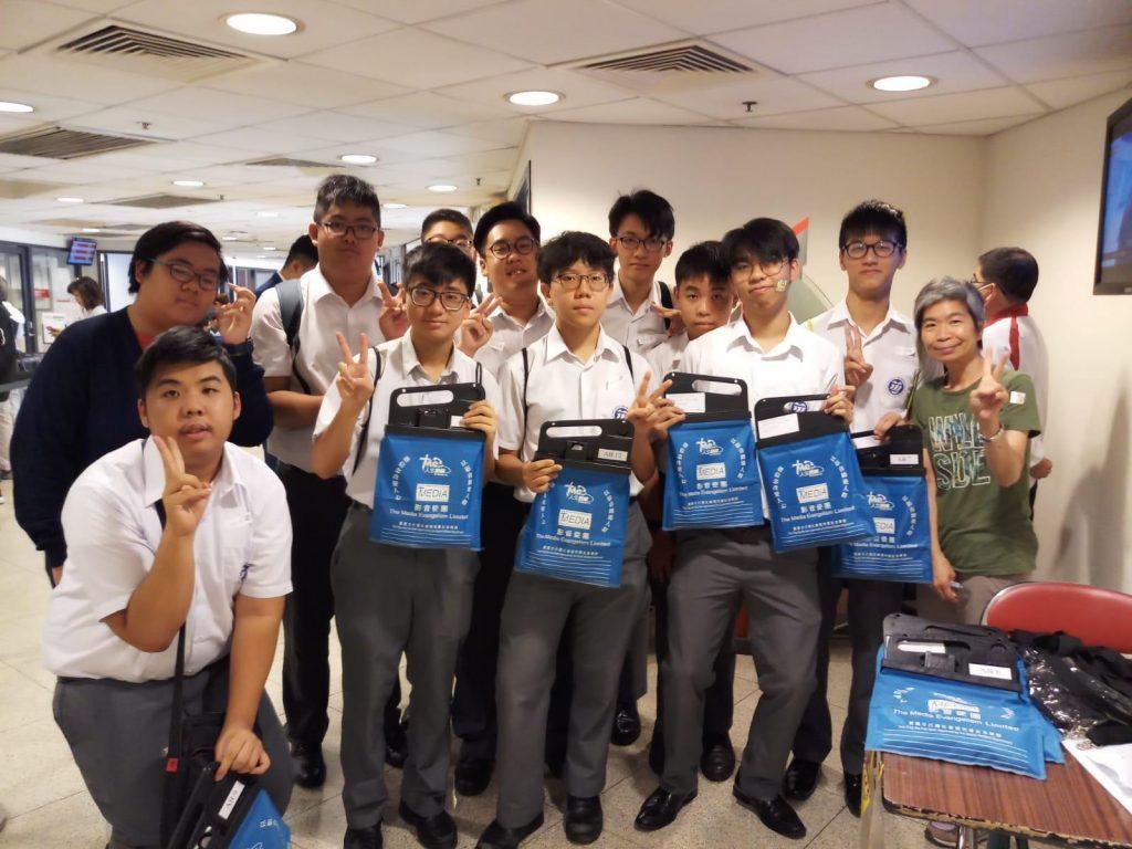 學生參與賣旗活動比率有上升跡象 反映青少年對社會的關注程度有所增加